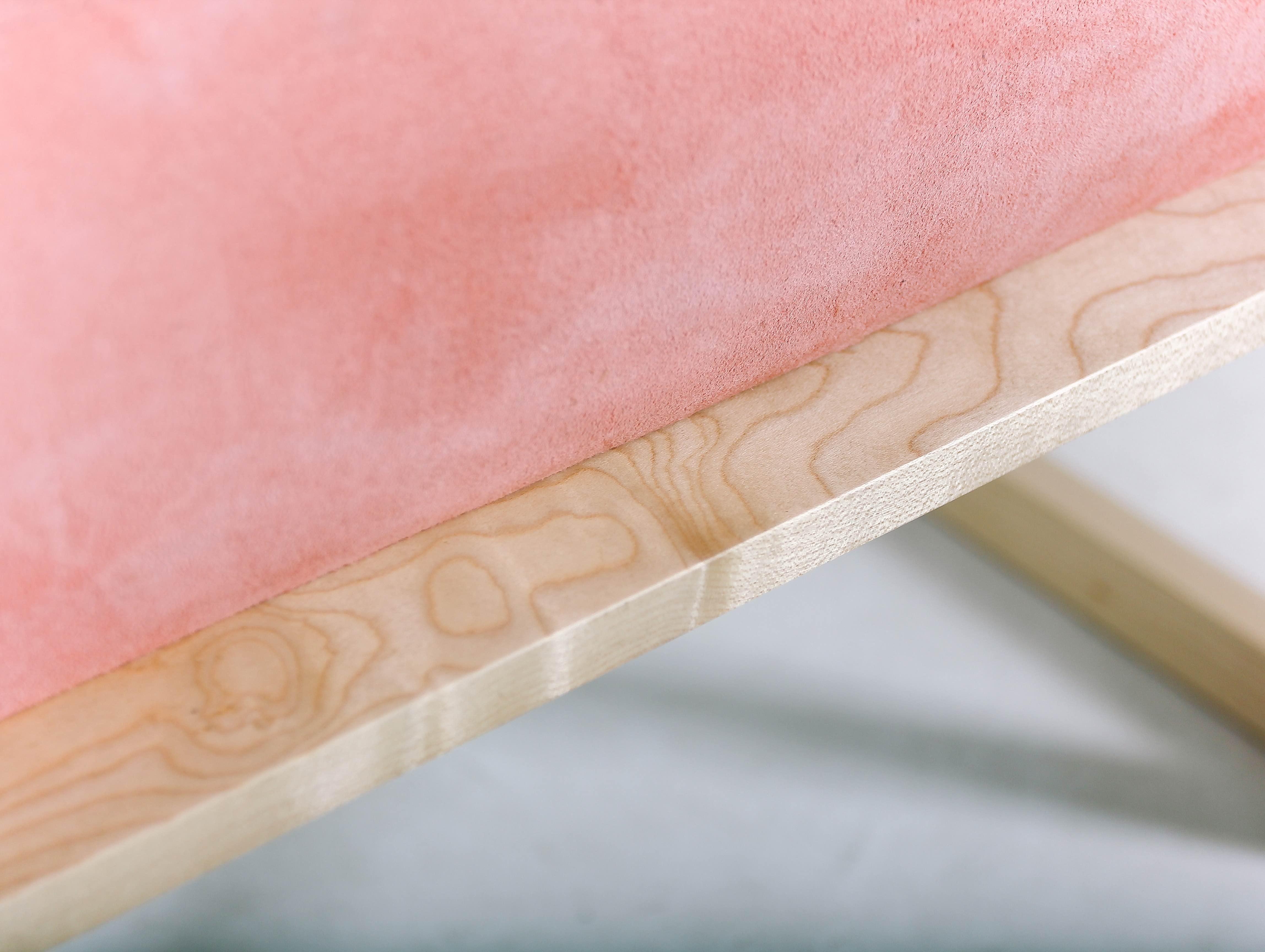 Кресло Pink Creamson из массива клёна и американского ореха от Fly Massive Millworks