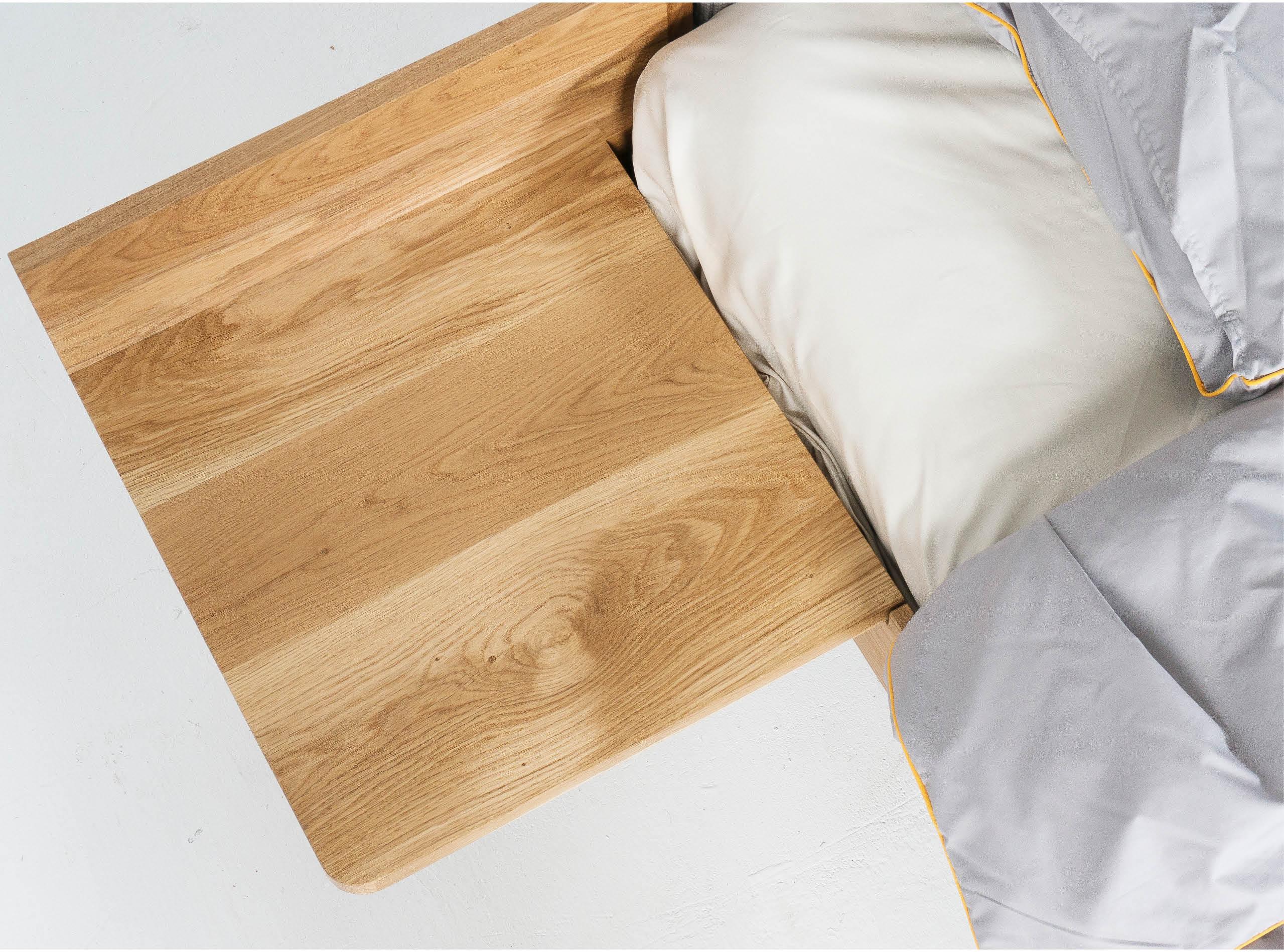 Кровать, прикроватный столик, кровать с ящиками